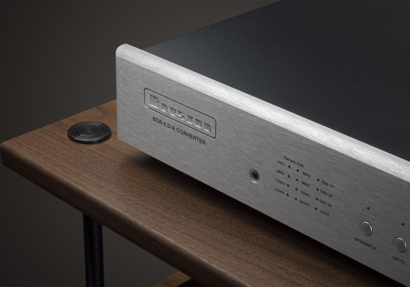 BDA3 17 Silver Oblique Top Shelf-web